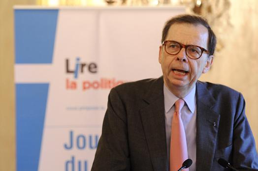 http://www.assemblee-nationale.fr/13/evenements/livre_politique_2010/livre-politique-2010-1-p.jpg