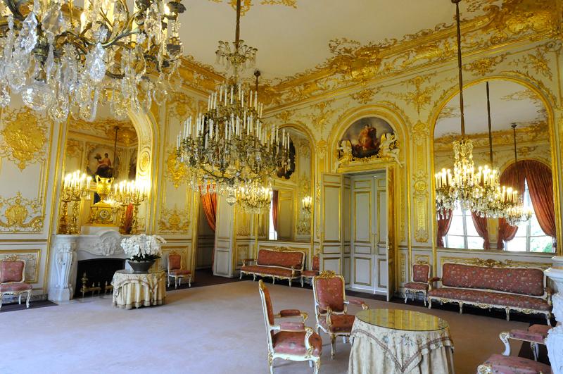 http://www.assemblee-nationale.fr/histoire/lassay/grand-salon-p.jpg